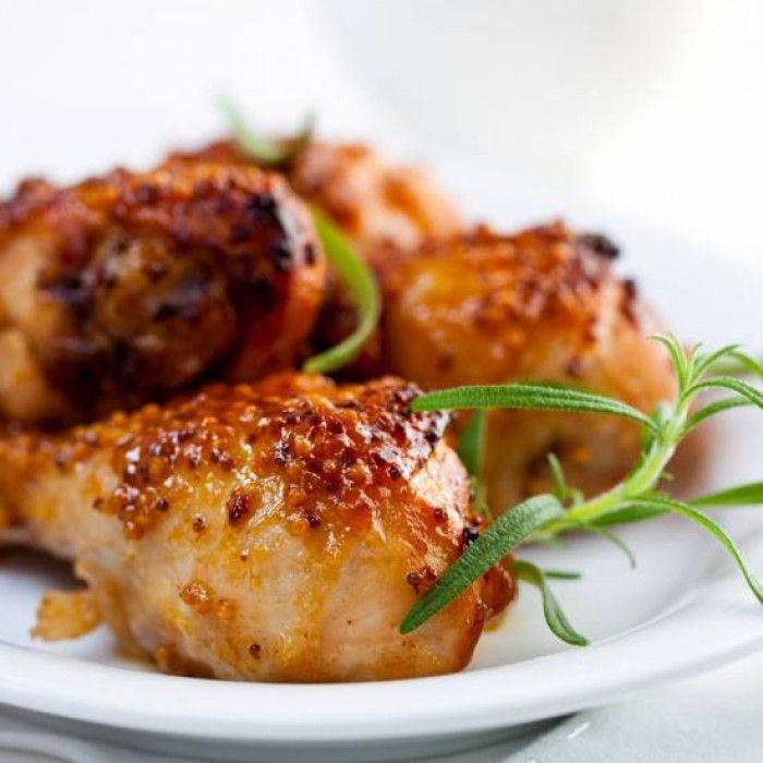 kip met een dressing van honing, mosterd, knoflook en citroensap. Lekker met boontjes en aardappel