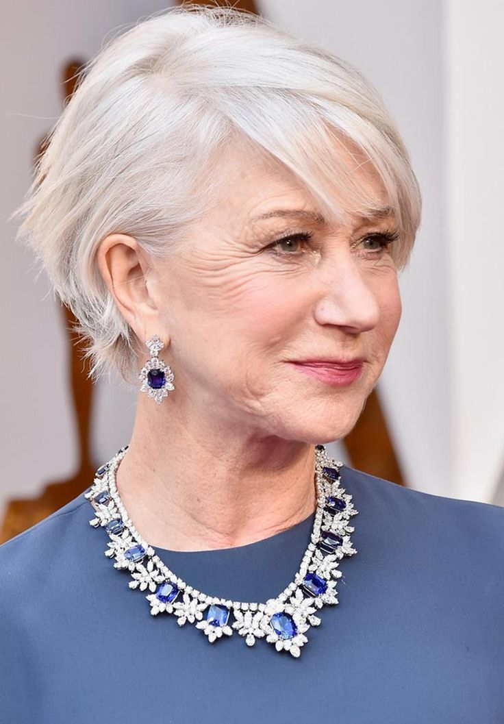Helen Mirren wears a sapphire parure by Harry Winston to the 2018 Oscars