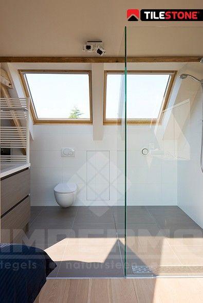 25 beste idee n over lichtgrijze badkamers op pinterest leisteen tegels in de badkamers en - Moderne badkamer betegelde vloer ...