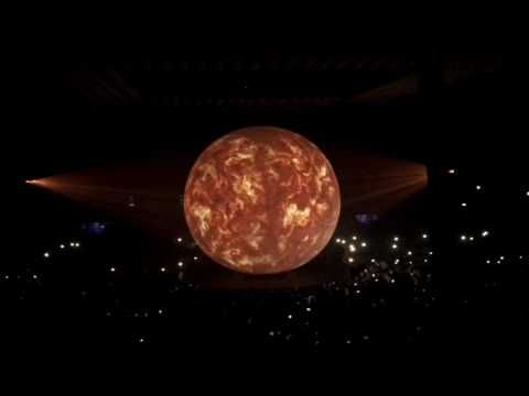 FAKE LOVE - DRAKE BOY MEETS WORLD TOUR AMSTERDAM - YouTube