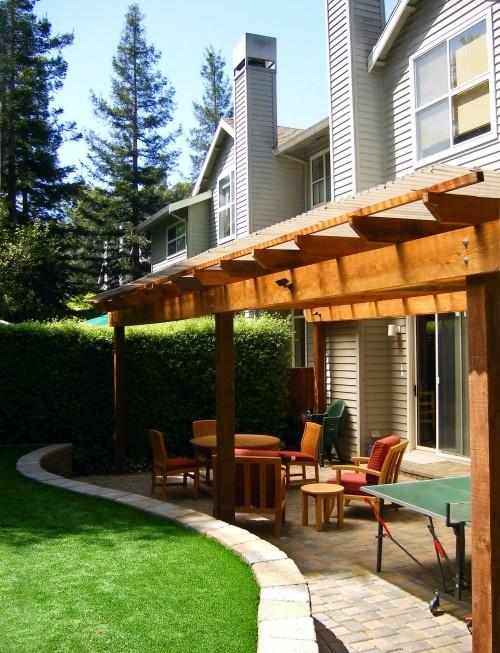 Pergola ideaCovers Patios, Patios Design, Small Backyards, Contemporary Patios, Backyards Patios, Backyards Design, Patios Ideas, Retaining Wall, Back Patios