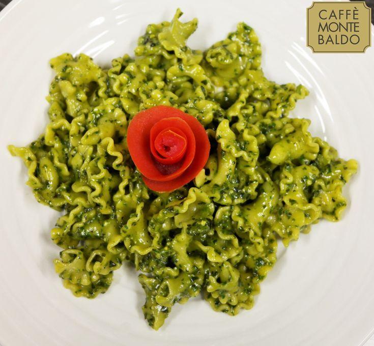 Ed ecco il primo del giorno: gigli al pesto! #MonteBaldo #osteria #Verona #CucinaTipica #mangiare #pranzo #lunch
