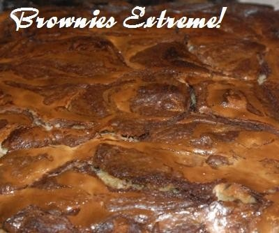 Brownies extreme! Brownies filled with cheesecake and chocolate chip ...