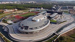Un empresario chino invierte seis años y 145 millones de euros en construir una oficina con la forma de la nave 'Enterprise' de Star Trek