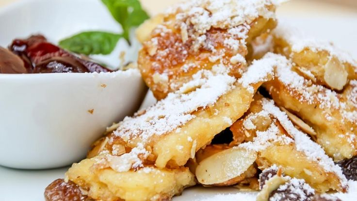 Kaiserschmarren ricetta originale austriaca, frittella dolce con marmellata