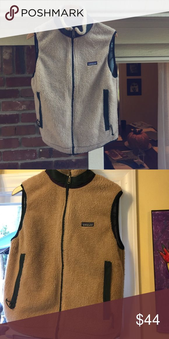 Patagonia women's retro fleece vest Awesome pre-loved Patagonia retro fleece vest in great condition. Cream with forest green and dark purple trim. Patagonia Jackets & Coats Vests