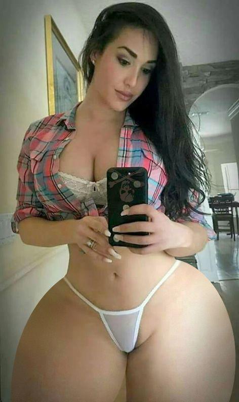 Sexy latin booty shaking - 5 1