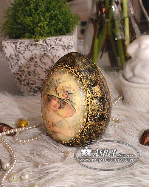 Dekoracje wielkanocne - decoupage na jajku ceramicznym