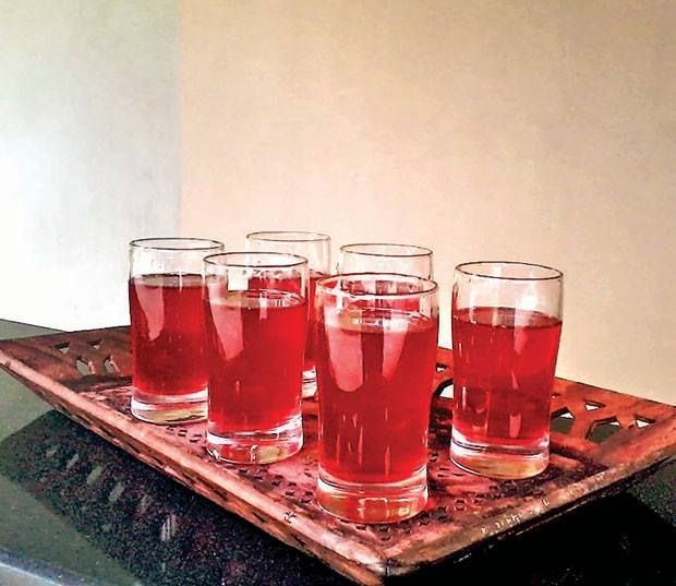 #Bhimtal #cuisine: Buransh: The delicious and intoxicating rhododendron juice of Uttarakhand