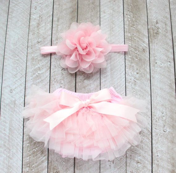 This listing is for a Ruffle Bottom Tutu Bloomer & Headband Set in Light Pink. Perfect for newborn photos, first birthday, cake smash, dressing up,