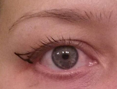 All my hooded eye beauties, here is a quick pictorial for getting that prefect wing. - Imgur