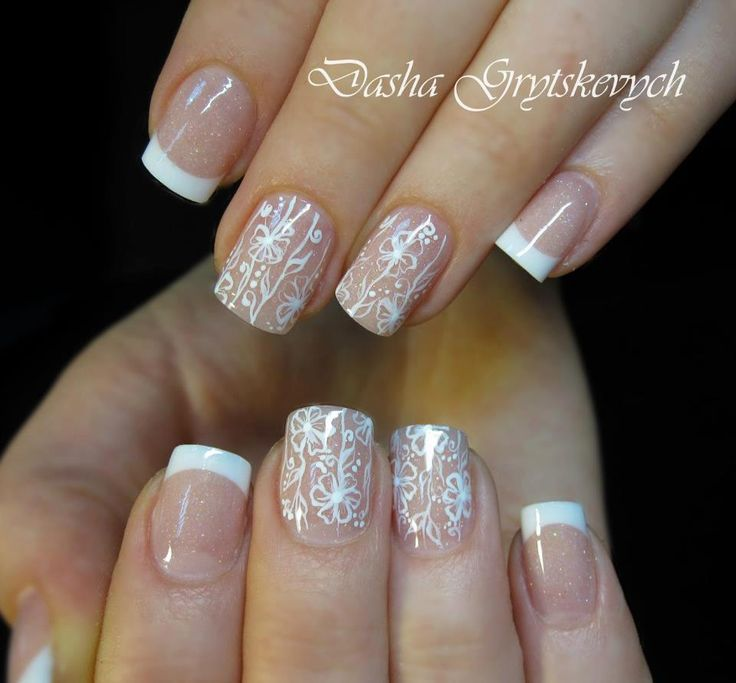 beautiful nail art - French tips and flowers