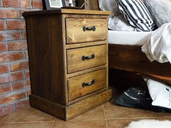 Noční stolek borovicový Rustyk 3