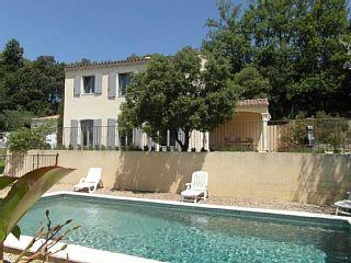Luberon, charmante boerderij met zwembad, 7/9 pers Bekijk dominante Provençaalse ColoradoVakantieverhuur in Rustrel van @homeaway! #vacation #rental #travel #homeaway