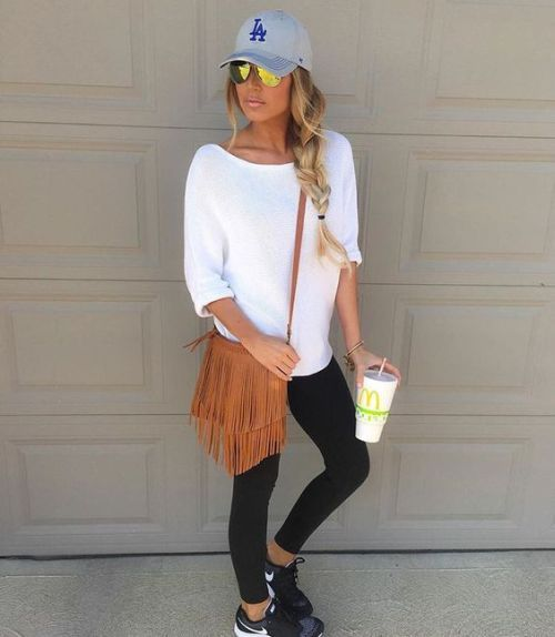 How to rock the athleisure trend – Just Trendy Girls
