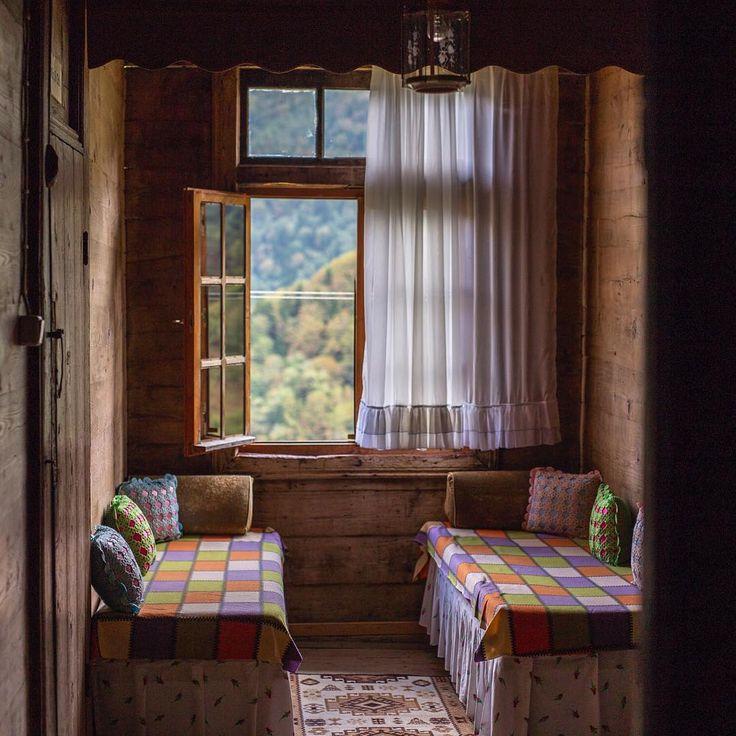 Macahel Iremit Pansiyon / Macahel Plateau, Borcka , Artvin-Turkey ....... By Tolga Gümüş (speasy)