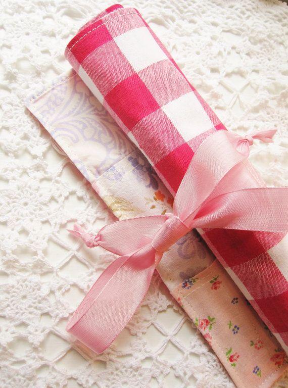 Roll pencils case crochet hook case paintbrush case by poppyshome, €20.00