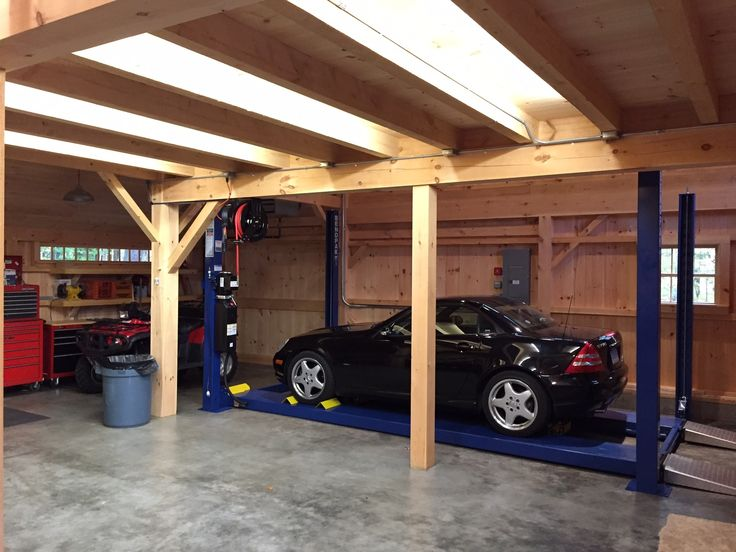 Car Lift Bay In Our 1 1 2 Story Barn Open To Roof Above Www Countrycarpenters Com Garage