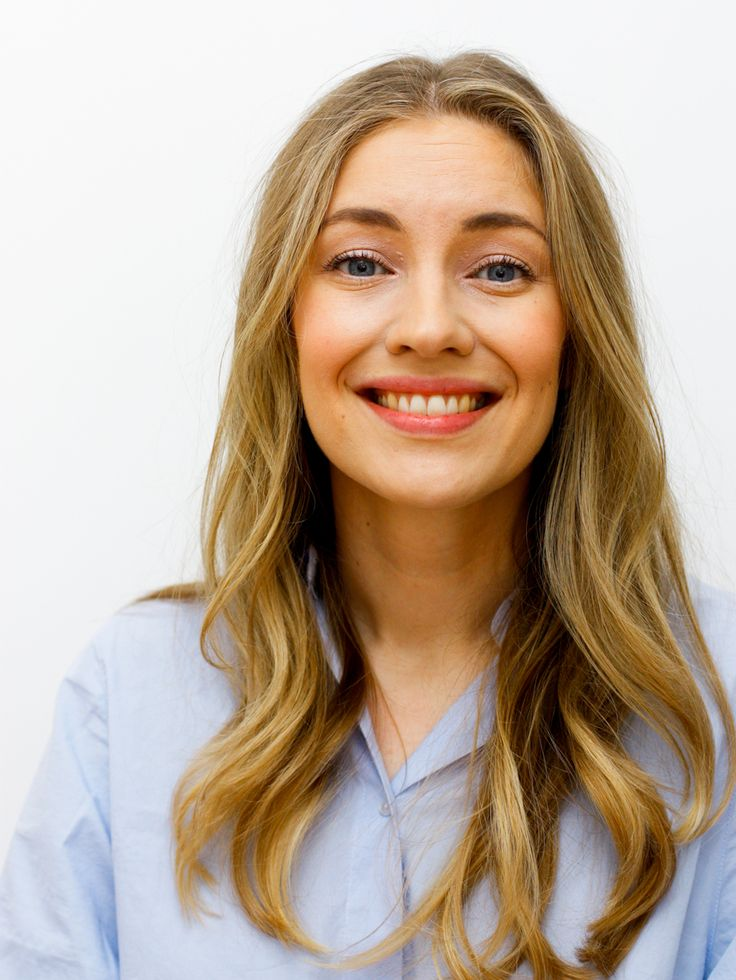 Blogger Lilou's Crush prefers natural and light base make-up so her choice for a sophisticated every-day make-up look is Lumene Nude Perfection Fluid Foundation. #foundation #lumene