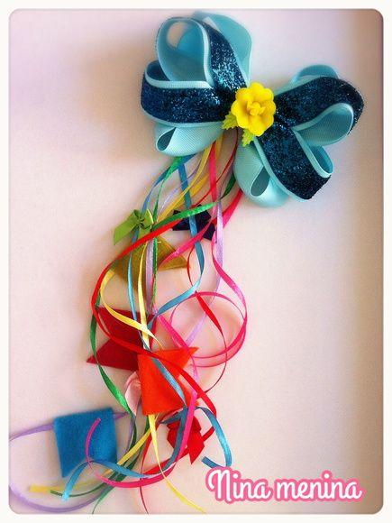 Laço Festa Junina colorido bandeirinhas R$ 28,00