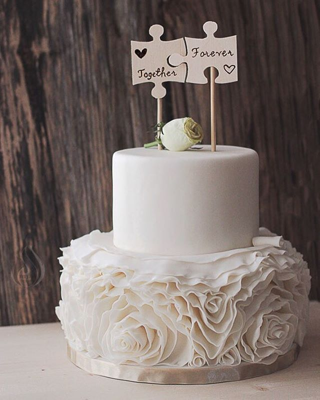 There are some really fun, unique, and personal options for cake toppers out there! These puzzle ones, for example are super sweet, and may say something about the bride and groom's personality. . #wedding #brides #weddingideas #weddinginspiration #weddingplanning #weddings #bridalinspiration #bride #groom #couple #marriage #engaged #love #hctg #weddingdecor #cake #cakeart #cakesofinstagram #weddingcake #caketoppers