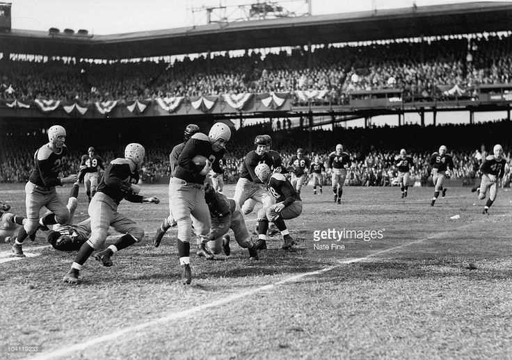 Packers Hall of Fame running back Tony Canadeo (3) in a 20-7 win over the Washington Redskins at Griffith Stadium in Washington, D.C. on December 1, 1946. (Photo by Nate Fine/NFL)