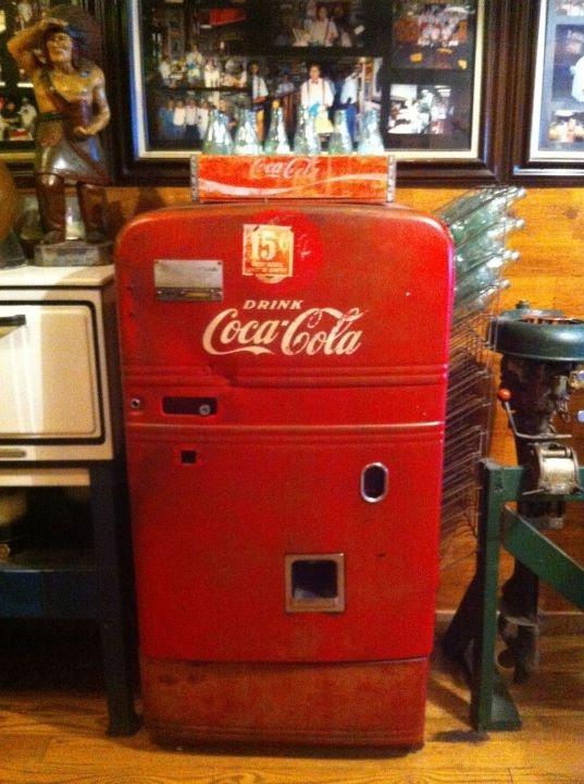 62 best vintage soda machines images on pinterest coke. Black Bedroom Furniture Sets. Home Design Ideas
