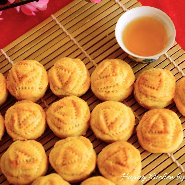 Rose Pineapple Tarts Recipe by huangkitchen on #kitchenbowl