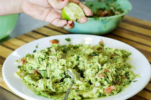 Pico de Gallo with guacamole! Really want to try this!
