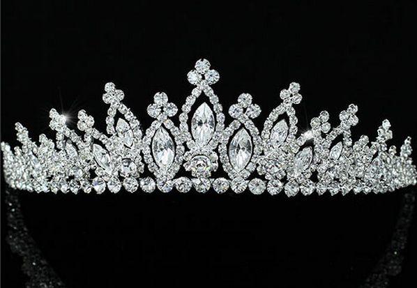 """ΓΥΝΑΙΚΕΙΑ :: Επάργυρη Εντυπωσιακή Κομψή Νυφική Τιάρα με Αυστριακά Κρύσταλλα """"Queen Elizabeth"""" - http://www.memoirs.gr/"""