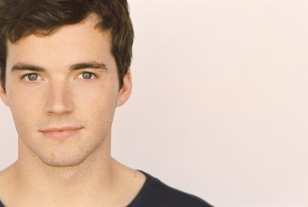 The guy who plays Ezra on PLL - so cute! Last week's show, kissing in the rain - oh my.....