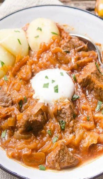 Szegediner Gulasch (German Sauerkraut Beef Goulash)