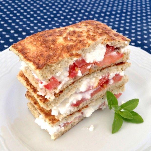 Pãozinho delícia . Receita aqui http://blogdamimis.com.br/2013/09/19/pao-de-microondas-sucesso-no-projetomimis/