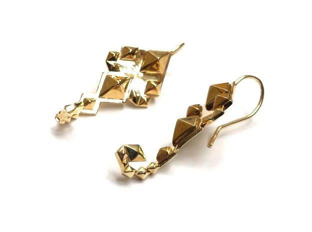 SacredScorpio earrings by numarul7'