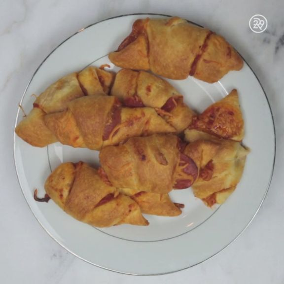 Pepperoni Pizza Croissants