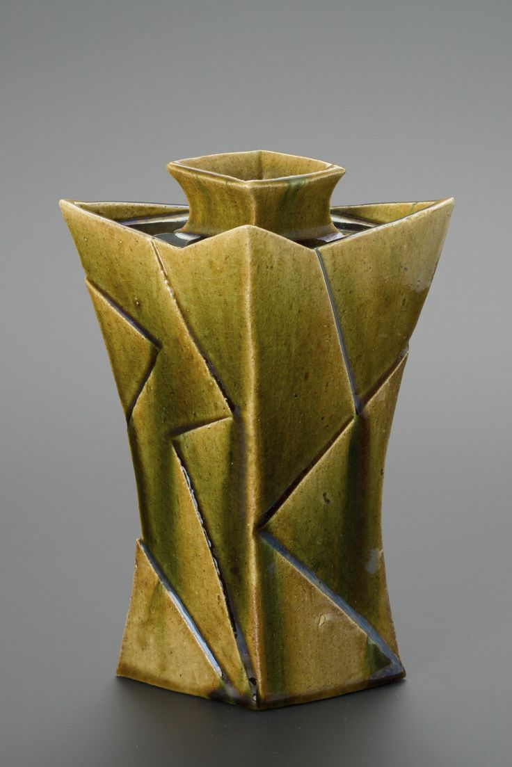 織部刻文花器 Vase with engraved,Oribe type	2013