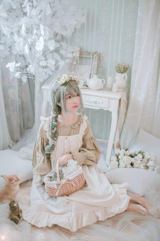 Lolita July 2017