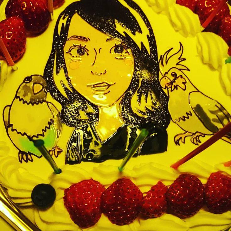 きょろとぴよのケーキ!かわいすぎる❤#いんこすたぐらむ #インコ好きな人と繋がりたい #鳥好きさんと繋がりたい #bird #lovebird #似顔絵ケーキ#インコケーキ#ボタンインコ #オカメインコ