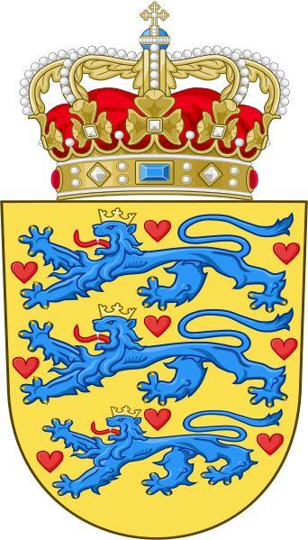 Statsvåbenet - det lille rigsvåben - har været brugt af statslige myndigheder siden 1959. Løverne har haft kroner på siden 1200-tallet, og farverne, ved man, har været ens siden omkring 1270. Hjerterne har der været ni styk af siden 1500-tallet.