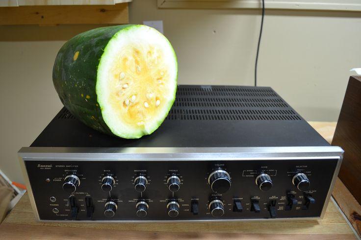 Sansui AU-9500 amplifier. 52 lbs of pleasure!