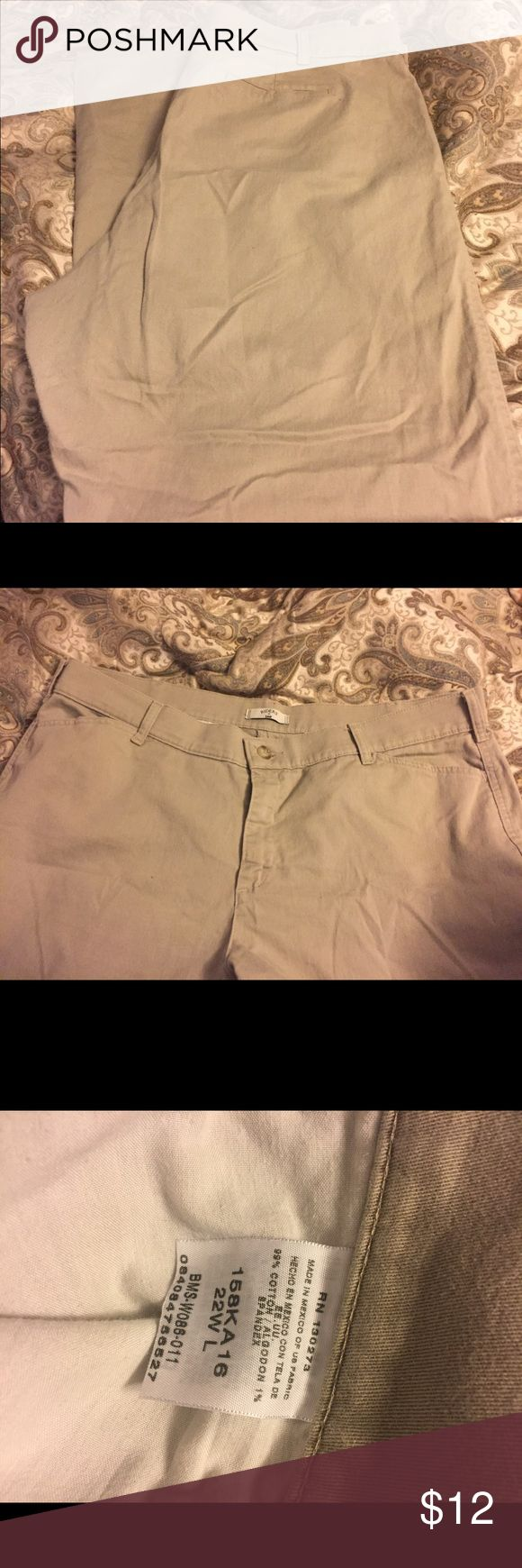 Levi's Women's Plus Size Khakis Size 22W Tall, but fits more like a 20. Does show some sign of wear but still in great condition! Levi's Pants Boot Cut & Flare
