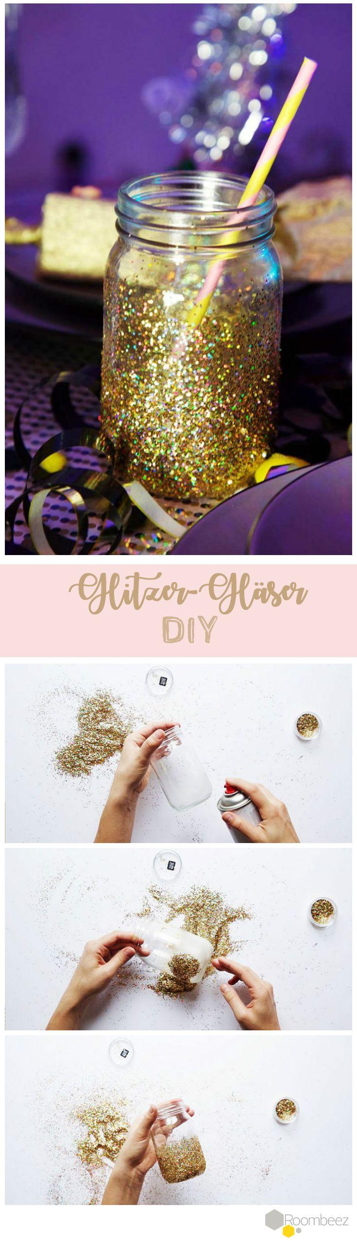 Zuckersüße Glitzer-Gläser für die Silvesterparty! Weitere schöne Deko DIYs für die Silvesterparty findest Du auf Roombeez ♥