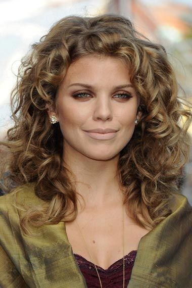 hair styles for the of the shoulder length wavy hair this shoulder length curly 7189