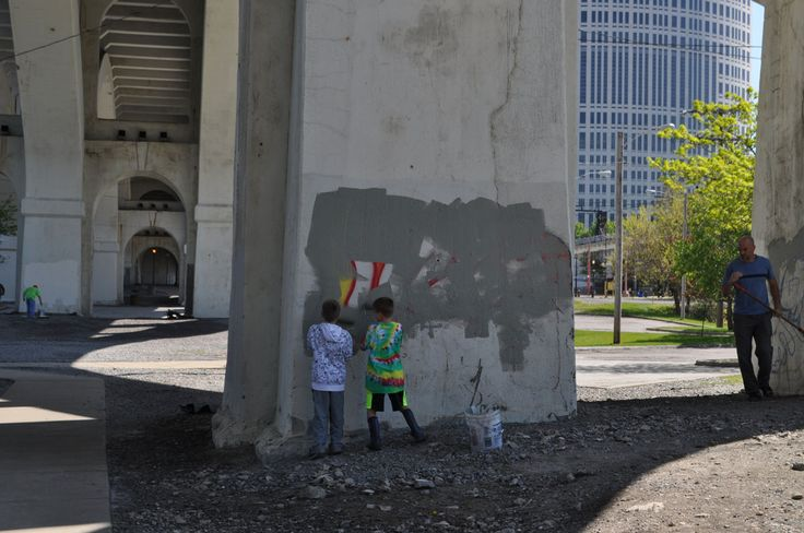 Cleaning graffiti at RiverSweep 2017