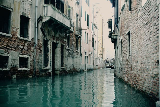 Venice, Italy.: Water, Gondola, Favorite Places, Dreams Vacations, Cities, Pictures, Venice Italy, Travel, Honeymoons