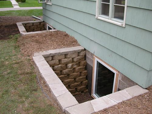 17 best images about basement on pinterest home for Window well ideas
