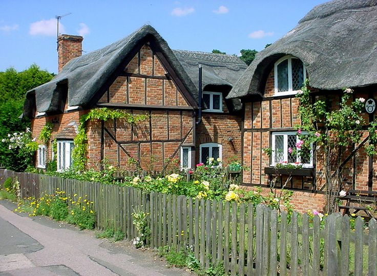 Ampthill thatched cottages - Cottage garden - Wikipedia, the free encyclopedia