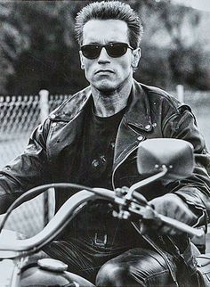 "Arnold Schwarzenegger in ""Terminator 2"", 1991, My FAVORITE movie as a tween...I…"