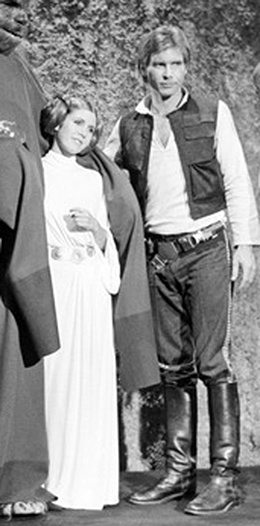 Carrie and Harrison set still