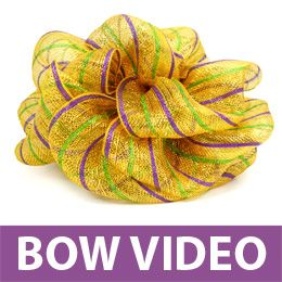 Making Bow With Deco Mesh-Other great wreath making and bow ideas on this website!